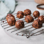 Gingerbread balls on cooling rack